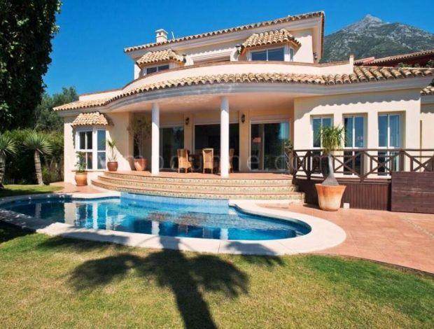 For-Sale-Villa-in-Istan-marbella-Spain-2