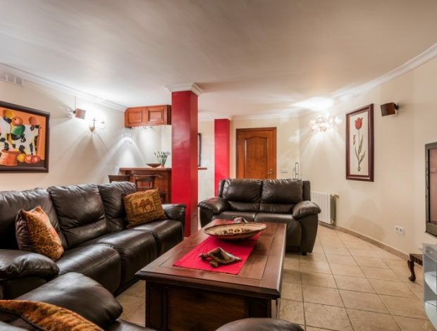 Villa-in-Istan-Costa-Del-Sol-for-TV-room