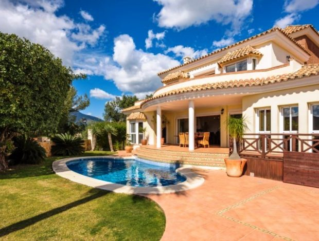 Villa-in-Istan-Costa-Del-Sol-for-sale-front-view-Copy